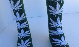 THC Marijuanas Leaf Socks A pleasant Eco-friendly/White 3