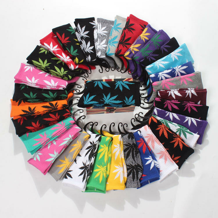 High Quality Mens Cotton Socks Fashion Marijuana leaf Casual Long Weed Sock 7-12 1