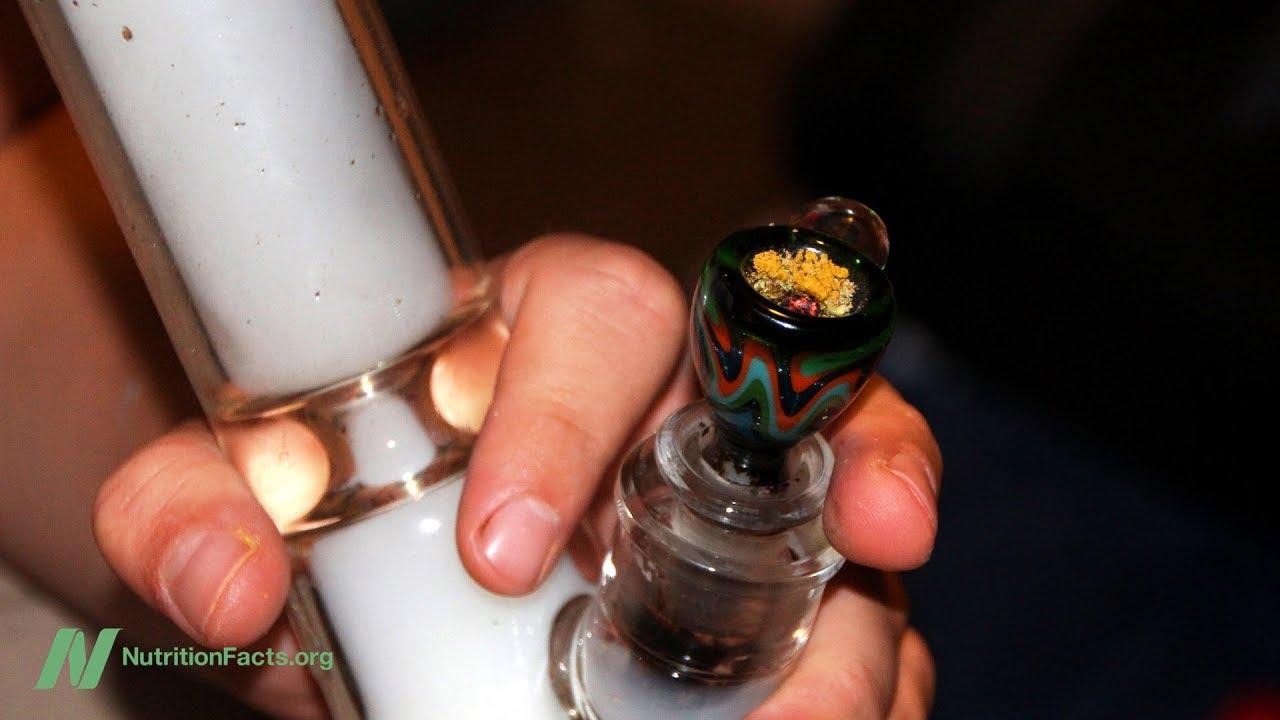Effects of Smoking Marijuana on the Lungs 1