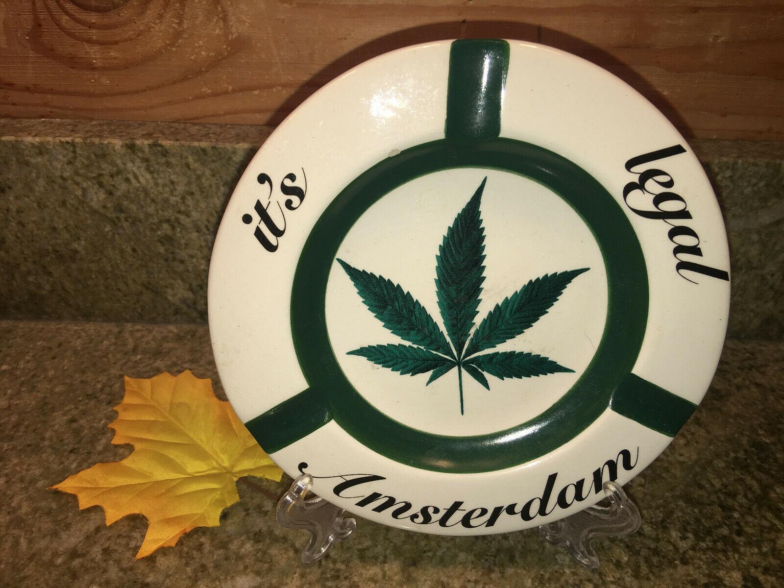 """RARE Vintage Marijuanas IT'S LEGAL Round Ceramic Ashtray 6.25"""" 1"""